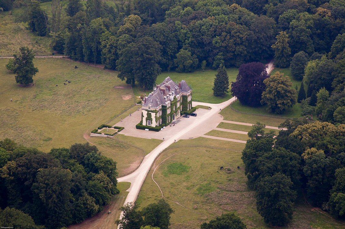 http://www.chateau-fort-manoir-chateau.eu/chateau-de-folembray_a.jpg